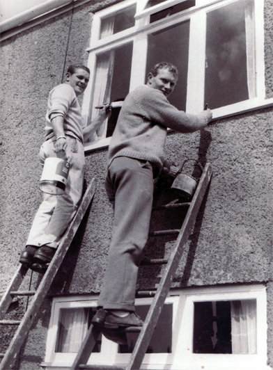 Joe davis - Undertaking a spot of decorating with his cousin, Bobby Jones - smaller