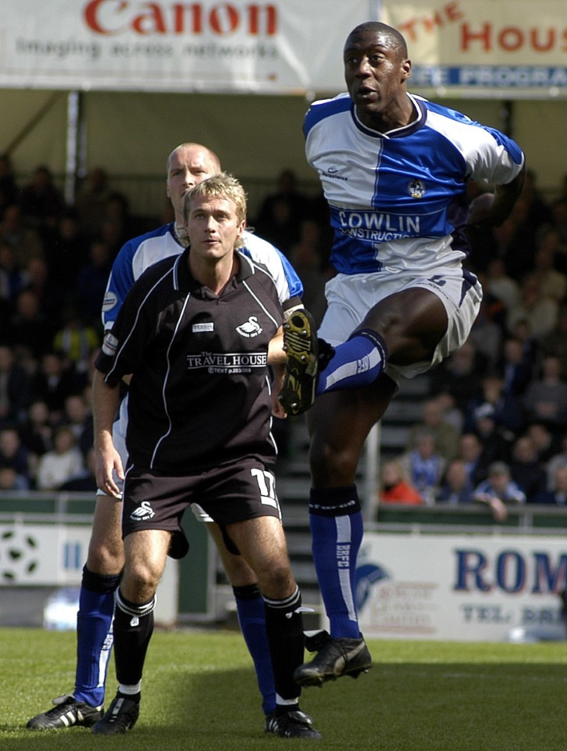 Kevin Austin vs Swans - credited to Alan Marshall