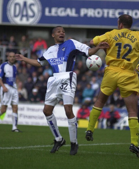 Aaron Lescott in action against Oxford - Photo Credit Neil Brookman