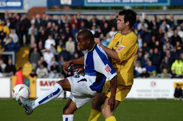 Junior Agogo in action against Oxford - Photo Credit Neil Brookman